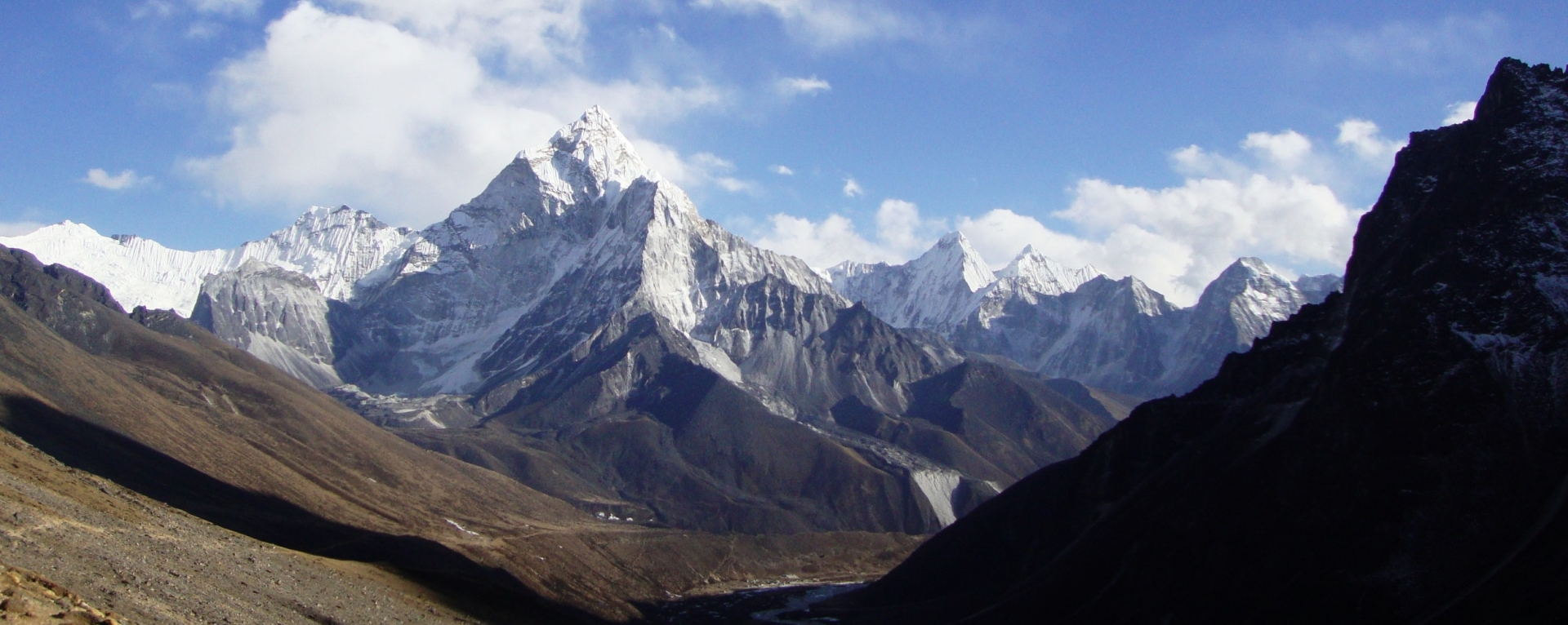 Amadablam mountain view from Thukla