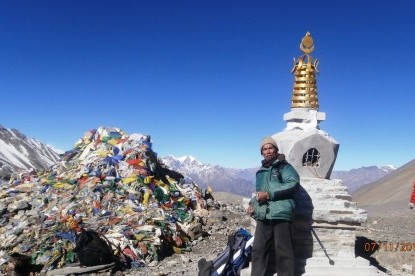 The stupa at the top of Thorong la pass.