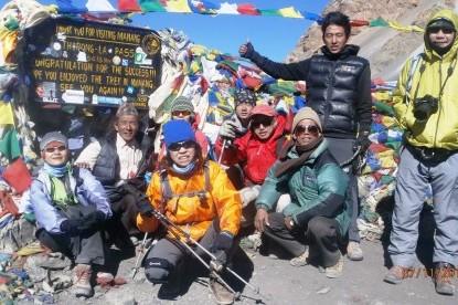 BNT Thai annapurna group at Thorong la pass.