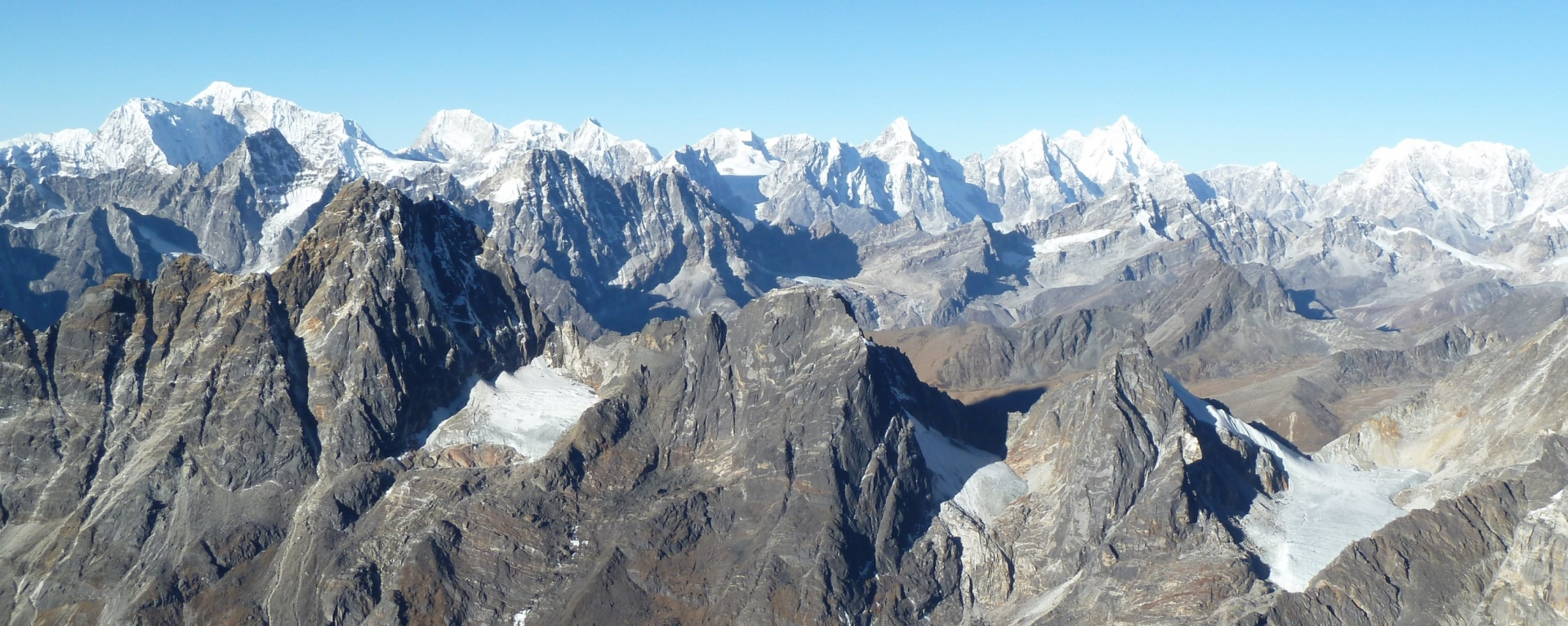 Mountain ranges seen from Top of Lobuche peak(6119m).