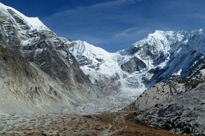 The glaciers above Tsho Rolpa lake.