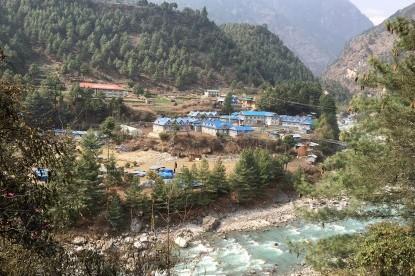 The lodges of Phakding.