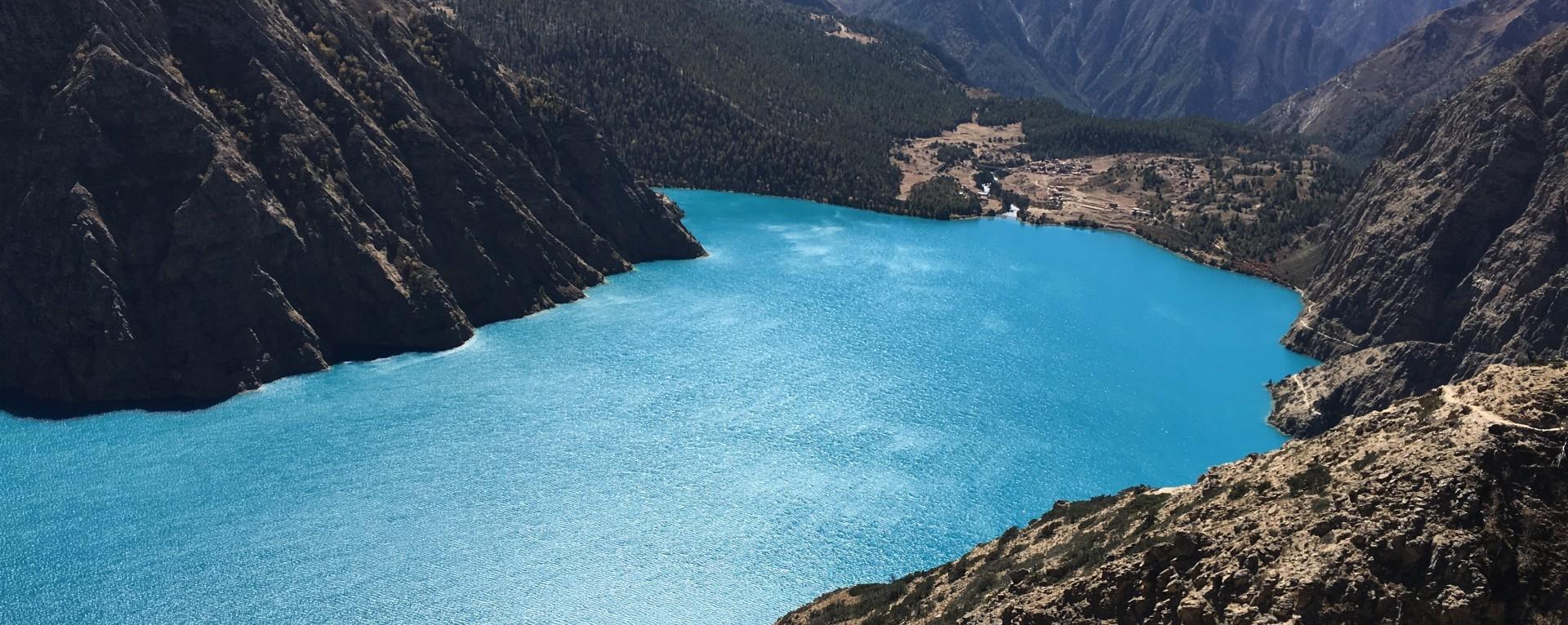 The Torquise color Phoksundo Lake from Dolpo, Nepal